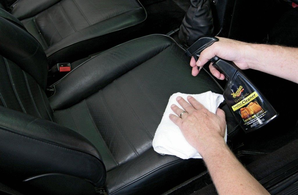 how-to-clean-your-cars-leather-cleaning-08.jpg